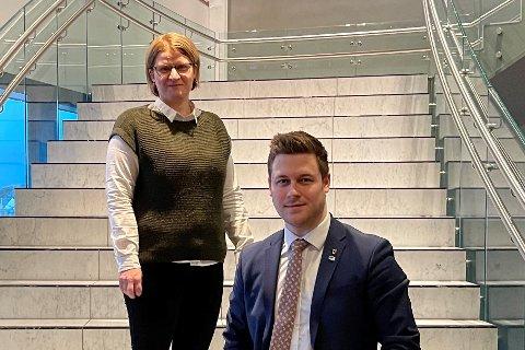 FORESLÅR LINJE: Representantene Marianne Dobak Kvensjø og Jim Simonsen Jenssen i Høyre.
