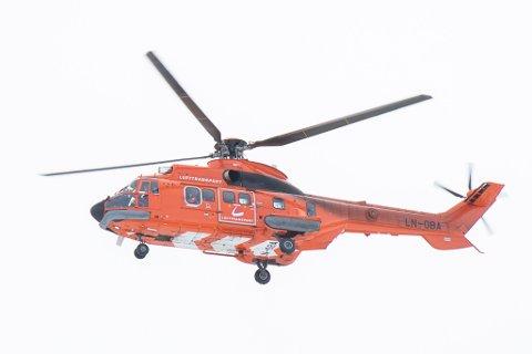 PÅ OPPDRAG: Tirsdag morgen landet koronahelikopteret ved UNN Narvik for å frakte en pasient til UNN Tromsø.