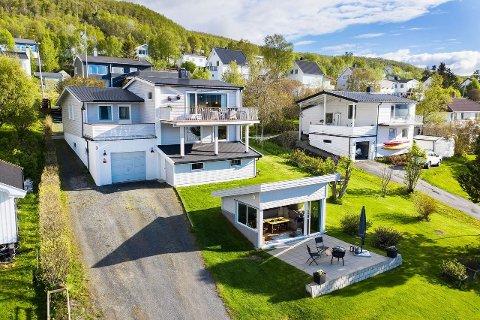 OVER TAKST: Boligen i Naustveien 3 ble lagt ut for 3,65 millioner kroner, men ble fredag solgt for 4,2 millioner kroner.