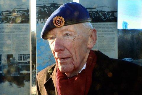 Oberst Pran sto rakrygget og alene i en skjebnetime for det norske Forsvaret, skriver tidligere NRK-journalist Rønning Tollefsen.