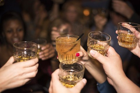 SKAL BEHANDLES: «Alkoholpolitisk handlingsplan 2020–2024 – mindre endring» skal opp til behandling i kommunestyret i Narvik torsdag. Illustrasjonsfoto