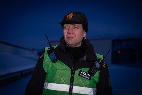 KREVENDE REDNINGSARBEID: Polititjenesteleder Einar Ingilæ, innsatsleder under arbeidsulykken i Gamvik Havn, sier det var en omfattende redningsaksjon. Bildet er tatt ved en tidligere anledning.