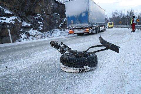 MATERIELLE SKADER: Fire personer var involvert i trafikkulykka på E6 sør for Bjerkvik lørdag 6. februar.
