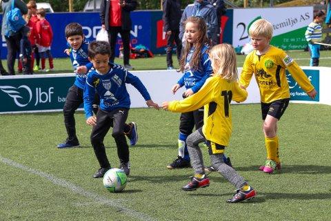 Alle med: Treerturneringen på Fagernes involverte de aller fleste lagene i Ofoten: Ballangen, Bjerkvik, Håkvik, Mjølner, Beisfjord og arrangørklubben Fagernes IL.
