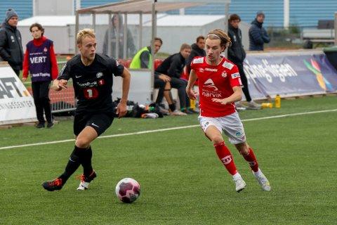 STÅ FREM: En av Mjølners aller beste spillere, Fredrik Arntsen i rødt, må stå frem sammen med lagkameratene.