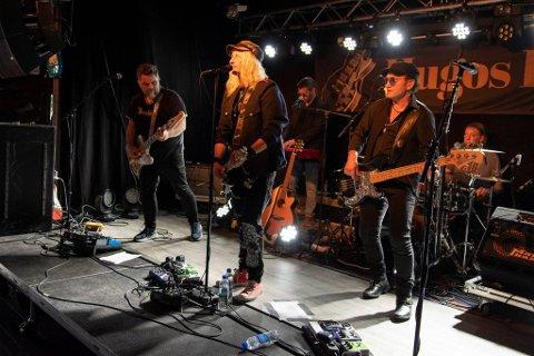 JUBILEUM: Blått & Rått feirer i år 30 år som band, og vil turnere i høst og vinter. De starter med tre spesielle konserter denne helga. Søndag kan de oppleves i Narvik.