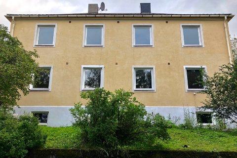 Administrasjonsveien 4 (Gnr 40, bnr 355) er overdratt for kr 7.100.000 fra Heidi Aslaksen Vik og Per Johnny Vik til Statens Vegvesen (24.08.2021)