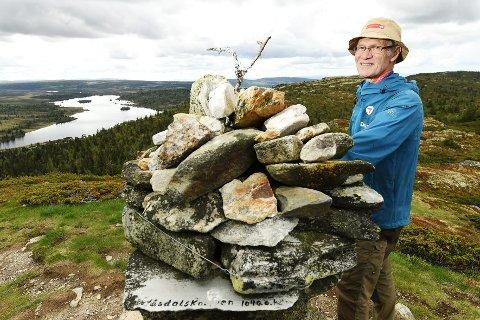PÅ TOPPEN: Turentusiasten Ragnvald Jevne på en av sine absolutte favoritter; Våsdalsknappen.