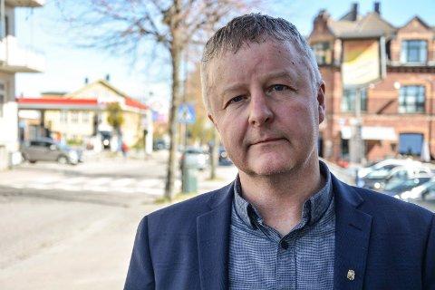 MÅ TENKE NYTT: Ordfører Are Karlsen respekterer resultatet av spørreundersøkelsen i Re. De vil ikke til Horten.