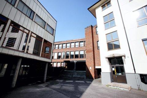 BEKKEGATA: Partiet Venstre ønsker seg studentboliger i bygget som tidligere var videregående skole i Horten.