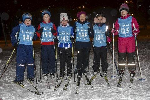 SKILØPERE: Sigurd (f.v.), Linus, Sofie, Mie, Siri og Alica var klare for sesongens første skirenn.