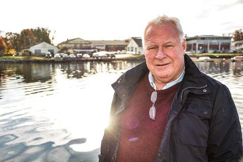 ÆRESMEDLEM: Hans Due har tidligere vært styreleder i Horten Roklubb. Han og andre frivillige fra en rekke lag og foreninger i Horten. har i en årrekke vært med på å arrangere Færdernfesten.