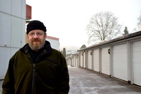 FØRST UT: Odd Eine i Bjørnestien borettslag har bedt ett selskap om anbud på ladestasjoner i hver av de 48 garasjene i borettslaget.