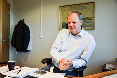 INGEN DRAMATIKK: Ragnar Sundklakk legger ikke skjul på at han har lyst på nye utfordringer, men understreker at han også trives godt i den jobben han har i dag. Skulle han ikke få stillingen som prosjektleder og rådmann i Vestfold og Telemark fylkeskommune, går han ikke i kjelleren av den grunn.