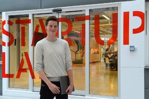 LYS IDE: Henrik Sverre Limseth fikk en lysende ide, sammen med kompisen sin. Nå får de støtte fra Forskningsrådet.