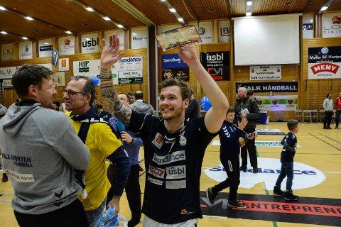 """KUNSTMÅL: Håkon Pettersen fikk til en """"umulig"""" scoring for Falk mot Kolstad."""