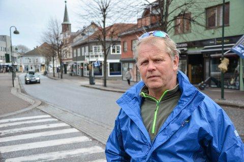 ÅPEN: Wilfred Solberg snakker om sitt problematiske forhold til alkohol i Metodistkirken søndag.