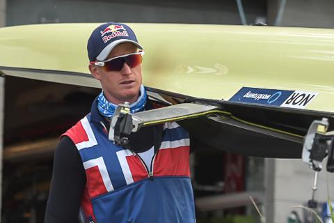 GOD START: Kjetil Borch hadde nest raskeste tid av 29 båter i innledende heat i verdenscupen i roing.
