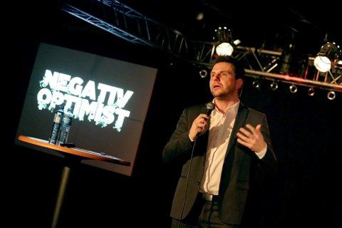 STANDUP: André Ulveseter kommer med showet «Negativ optimist» til Artilleriverkstedet 19. oktober.