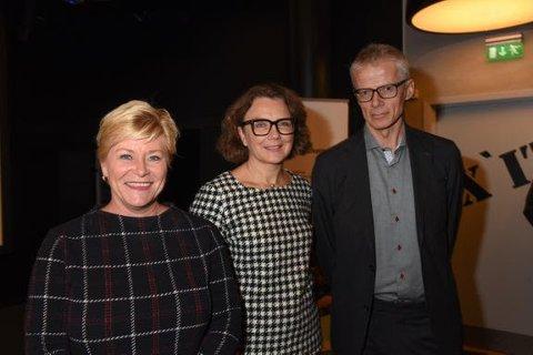 LANSERTE NY LØSNING: Finansminister Siv Jensen, konsernsjef i Posten Tone Wille og skattedirektør Hans Christian Holte.