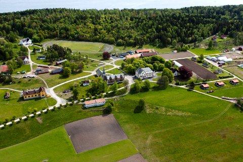 LANDBRUK: Bastøy fengsel er en åpen soningsinstitusjon som driver mye landbruk.