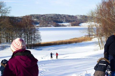 SMELTER: Snøen vil trolig smelte i løpet av kort tid, og til helgen kommer det til å bøtte ned. (Arkivfoto)