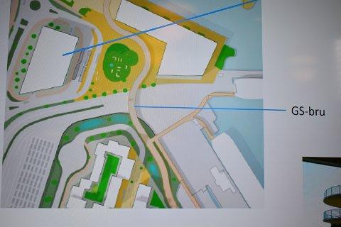 P-HUS: Den øverste blå streken viser hvor det planlagte P-Huset skal ligge. Blå strek midt på bildet viser gang- og sykkelbro over ferjetafikken. Til høyre ser vi dagens to ferjeleier, nederst til venstre den nye oppstillingsplassen som blir flyttet fra sjøfronten og midt på bildet Reisetorget.