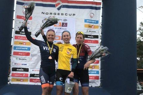 I GULT: Ingvild Gåskjenn med den gule ledertrøyen som viser at hun leder norgescupen i sykling sammenlagt.