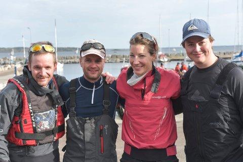 Å.S.-laget:  Asbjørn Grødem (f.v.), Jostein Grødem, Karen Kristoffersen og Trym Markussen seiler Mesternes mester for Åsgårdstrand.