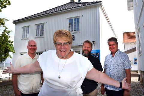 TOMMEL OPP: Kulturminister Trine Skei Grande innledet Venstres valgkamp i Åsgårdstrand. Eddie Robertsen er nominert på topp. Torgeir Lorentzen er prosjektleder, og ikke politiker. Det er derimot Kåre Pettersen, Vestfold og Telemark Venstres førstekandidat til fylkestingsvalget 2019.