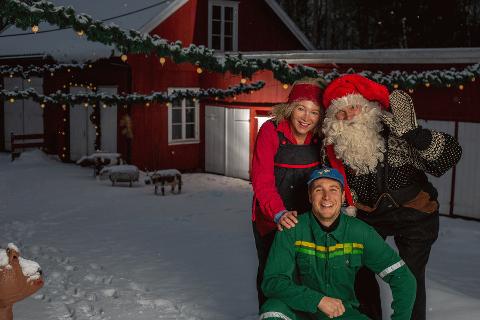 PÅ GÅRDEN: I forestillingen møter vi Bonden og Rottenikken som forbereder seg til jul. Mye skal gjøres, men det er lite som går etter planen for de to.