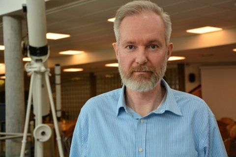 FØLGER MED: Kommuneoverlege Niels Kirkhus følger med på informasjonen som kommer om coronaviruset. Kommunen har planene klare, dersom smitten skulle dukke opp i Horten.