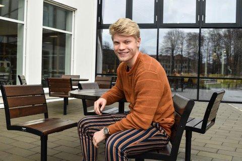STORTRIVES: Maksimilian Melø har sin egen teori om hvorfor skolen er så populær.