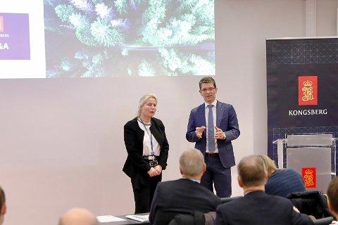 GODE UTSIKTER: Finansdirektør Gyrid Skalleberg Ingerø og konsernsjef Geir Håøy i Kongsberg Gruppen, kom med flere gode nyheter under presentasjonen av kvartalsrapporten.