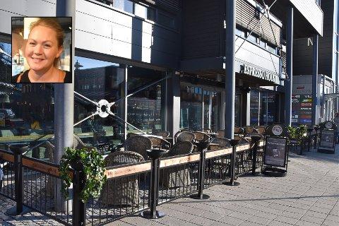 UTESERVERING: Espresso House i Vektergården har blitt en suksess i løpet av kort tid. Daglig leder på Espresso House Horten, Hannah Hafnor, tar våren på forskudd, og har nå satt i stand uteområdet for dem som ønsker å ta seg en kaffe ute i frisk vinterluft.