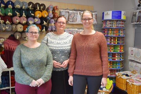UTKJØRING: Familiebedriften Garnhexene AS var en av de første butikkene som sto i bresjen for organisert utkjøring av varer for butikker i Horten. Fra venstre: Elena J. Hansen, (f.v.) Jannie Richardsen og Wanja Marie Richardsen