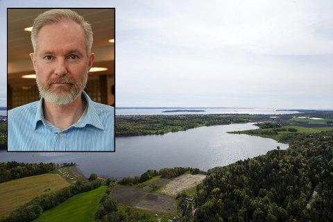 IKKE BADEVANN: Algene i Borrevannet er nå i ferd med å produsere giftige toksiner, advarer kommuneoverlege Niels Kirkhus.