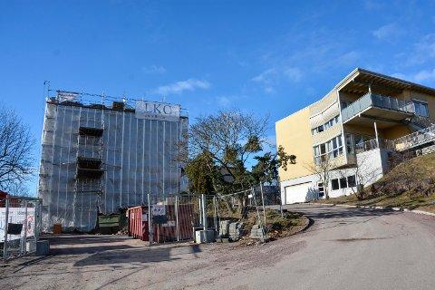 PUSSET OPP: I 2016 ble Horten sykehus pusset opp. En av underleverandørene til prosjektet er nå dømt for hvitvasking og grov økonomisk utroskap. (Firmalogoer som er synlige på dette bildet har ikke noe med saken å gjøre.)