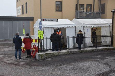 RIKTIG VEI: Det siste døgnet er det registrert 577 koronasmittede i Norge. Det er 243 færre enn dagen før og 63 færre enn samme dag i forrige uke.