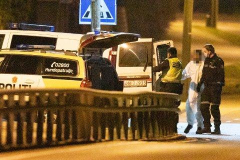 En mann ble pågrepet ved Herstad skole på Nøtterøy natt til onsdag. En bil ble også tauet inn av politiet.