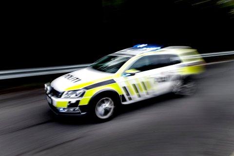 STOPPET SJÅFØR: Politiet stoppet i natt en ung sjåfør fra Horten som ikke fulgte omdirigeringen på E18.