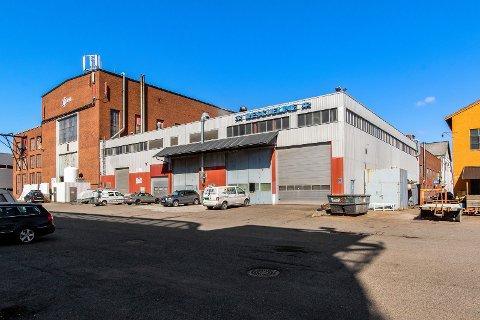 TIL SALGS: 18,5 millioner er prisantydningen på dette industribygget i Nedre Vei.