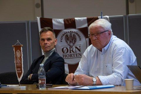 OVERSKUDD: – Vi venter en ny krisepakke for 2021, men beløpet tør vi ikke spå noe om, sier Svein Lindhjem (t.h.) her sammen med Roy Kenneth Skulstad-Hansen under Ørn Hortens årsmøte.