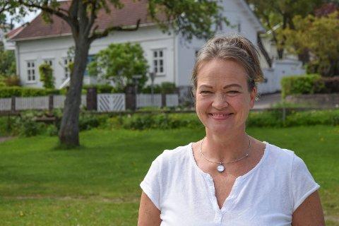 FØLING I FJÆRA: Kathrine Aspaas har sluttet å skamme seg over følelser som sinne, hat og bitterhet. Det mener hun alle har godt av å gjøre.