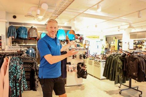 LEDIG PLASS: Denne delen av butikken, fra inngangen ved hjørnet og omtrent 150 kvadratmeter inn, vil Thomas Solberg leie ut.