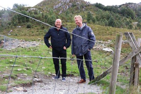 Arild Espedal (til venstre) i Stolt Bolig og Svein Olav Aalgaard i Aalgaard Bygg selger begge boliger i Kodlidalen.