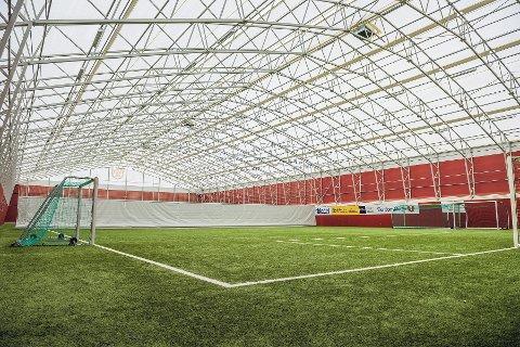 Fotballhallen på Solås blir tilsvarende Kåsen ILs fotballhall, men fargevalg er foreløpig ikke bestemt.