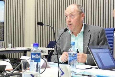 Arne Bergsvåg frå Senterpartiet er leiar av samferdsleutvalet i fylket som måndag vedtok ein intensjonsavtale for finansiering av tunellen.