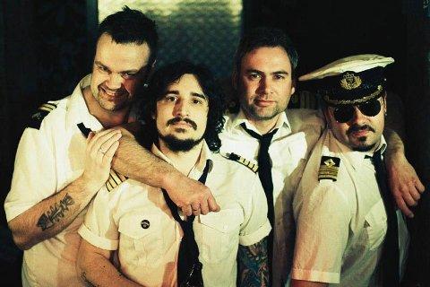 Kaptein Kapelsatan, anført av Kjell Undheim (t.h), er første band ut på årets Tvangsfestival.