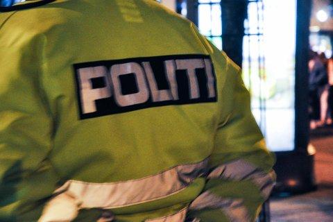 Natt til mandag arresterte politiet en mann, mistenkt for tyveri på Opstad.